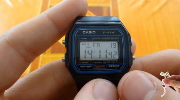 Cómo Funciona el Reloj Casio F 91W (alarma, cronómetro